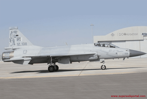 Pakistan Air Force JF-17 Thunder Performance in Dubai Air Show 2013 – Video