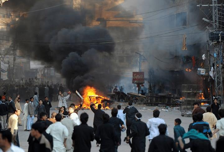 Rawalpindi Fight Between Shia and Sunni - Reality of Fight