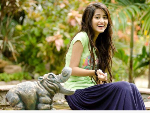 Top 10 Beautiful Pakistani actresses 2015 Sajal Ali