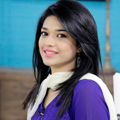 Sanam Jung top ten Pakistani actresses 2015