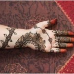 Black color Mehndi design