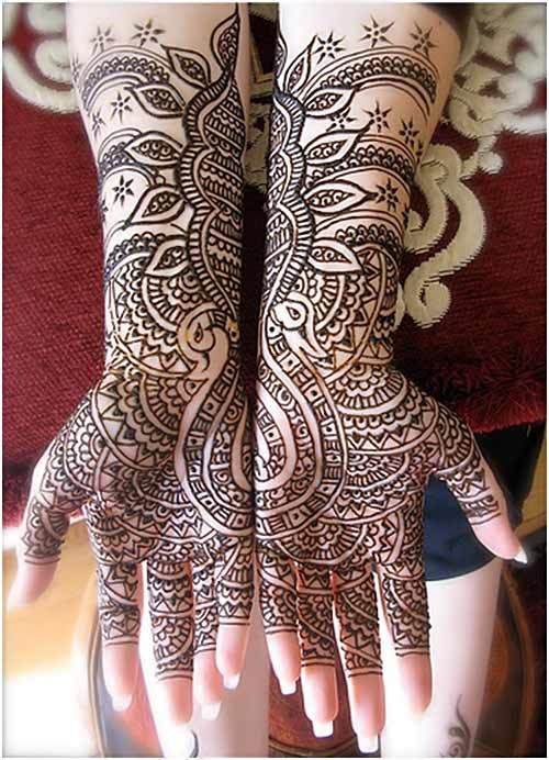 Black mehndi Designs for brides on Wedding day 2015
