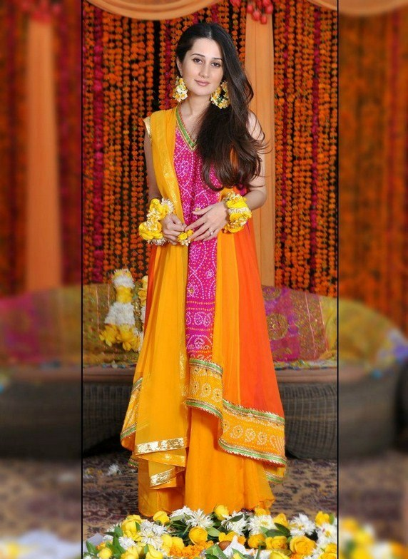 Mehndi Beautiful Dresses : Pakistani mehndi dresses designs for bridals