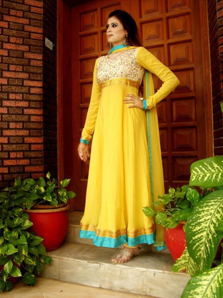 pakistani clothes design for mehndi wedding 2016