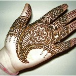 Simple floral Mehndi Design in Arabic culture