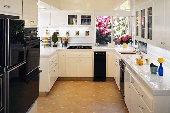 Modern Kitchen designs and layouts Ideas on  Budget