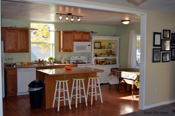 Cheap Small Kitchen Design Ideas ~ Small kitchen decorating ideas on a budget