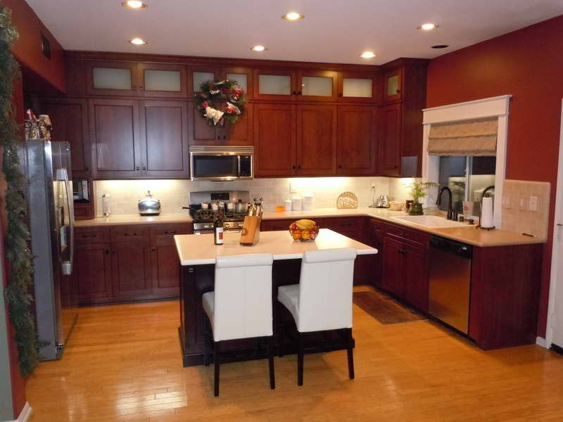 Small kitchen decorating ideas on a budget for Simple and cheap kitchen design